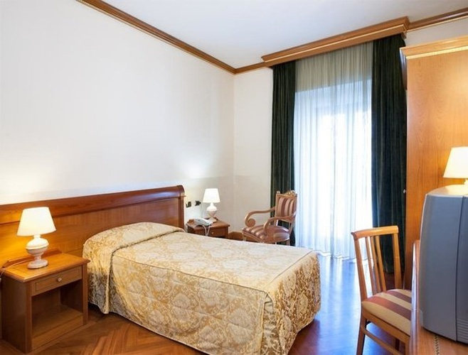 Single room marconi hotel milan