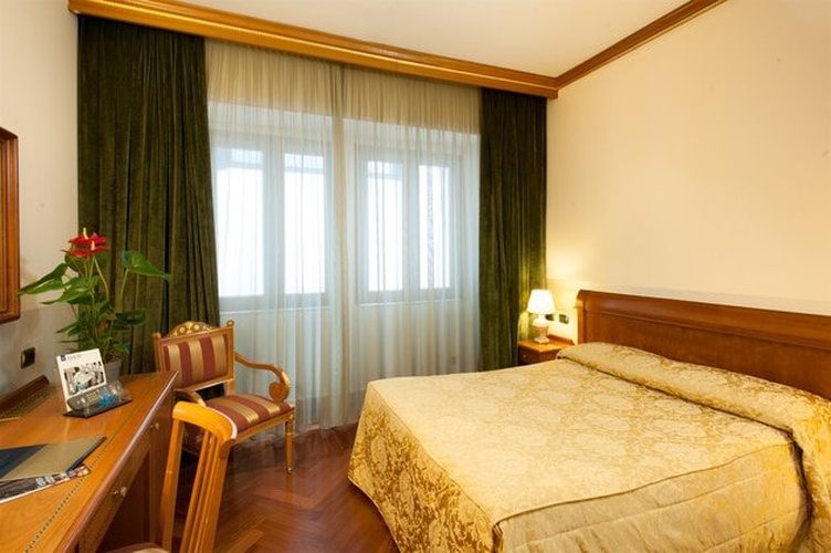 Double room marconi hotel milan